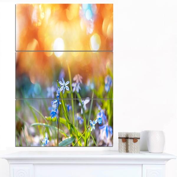 Designart 'Little Flowers Meadow with Snowdrops' Modern Flower Canvas Art Print