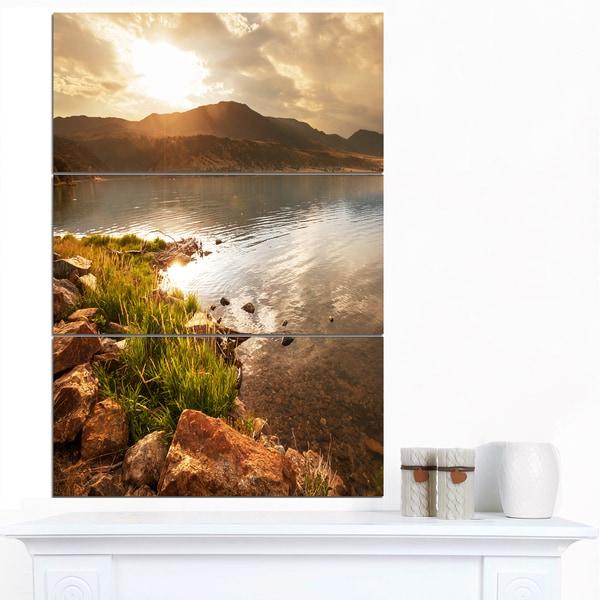 Designart 'Beautiful Lake with Rocky Shore' Oversized Landscape Canvas Art