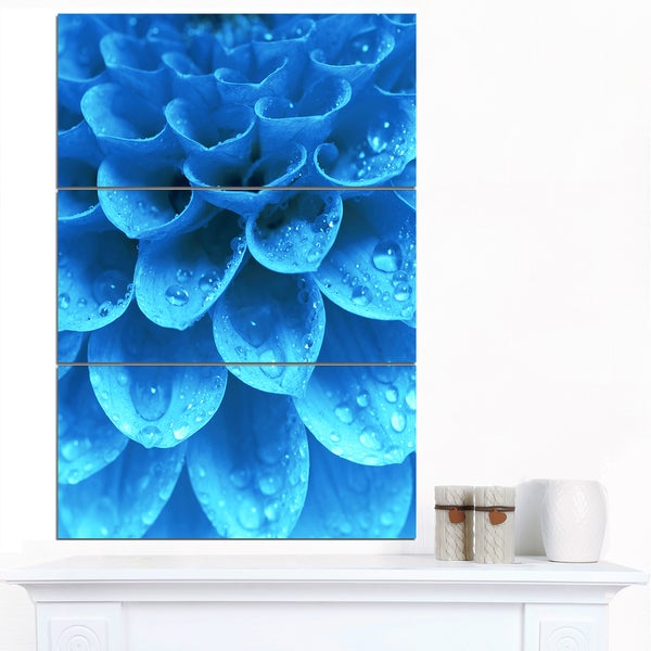 Designart 'Large Light Blue Flower and Petals' Modern Floral Canvas Wall Art