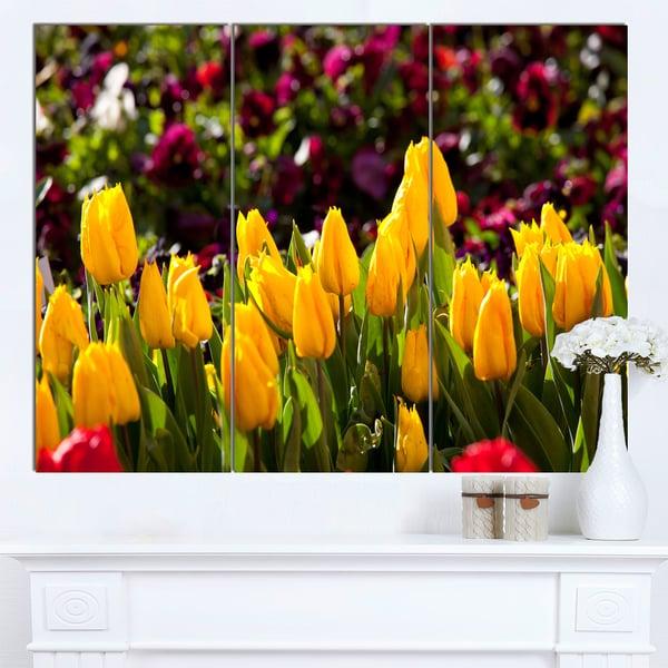 Designart 'Beautiful Yellow Tulips Garden' Large Flower Wall Artwork