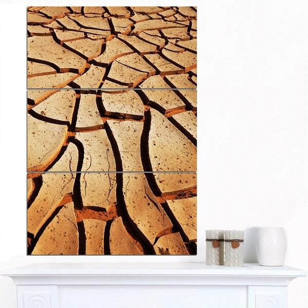 Designart 'Cracked Brown Drought Land' African Landscape Print Wall Art