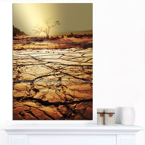 Designart 'Lonely Tree in Drought Land' African Landscape Print Wall Art - multi