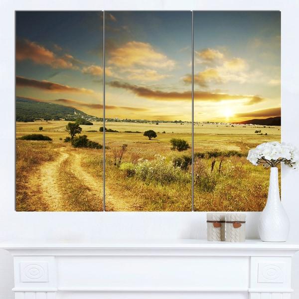 Designart 'Beautiful Rural Prairie Sunset' Extra Large African Landscape Canvas Art - multi