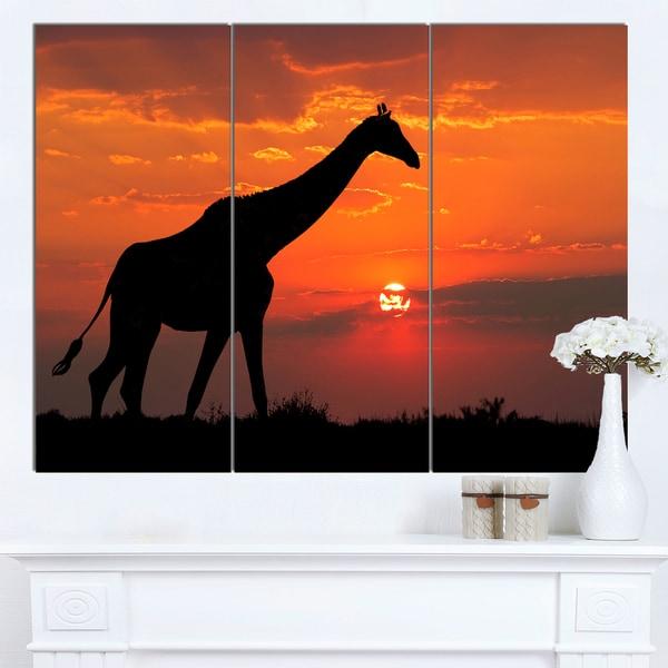Designart 'Giraffe Silhouette At Sunset' African Canvas Artwork