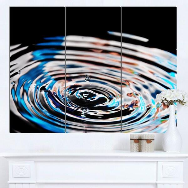 Designart 'Beautiful Splash of Purple Water' Large Abstract Canvas Wall Art