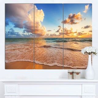 Designart 'Beautiful Cloudscape over Beach' Large Beach Canvas Wall Art