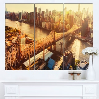 Designart 'Queensboro Bridge over East River' Large Cityscape Artwork on Canvas