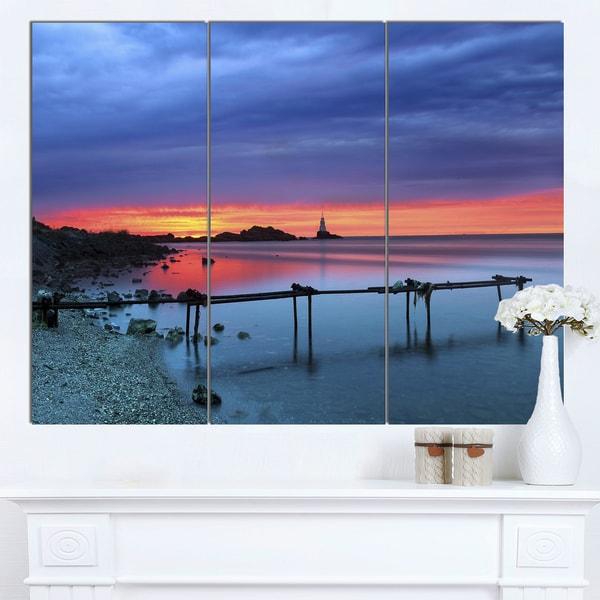 Designart 'Blue Sky and Waters Panorama' Modern Seashore Canvas Art - Blue
