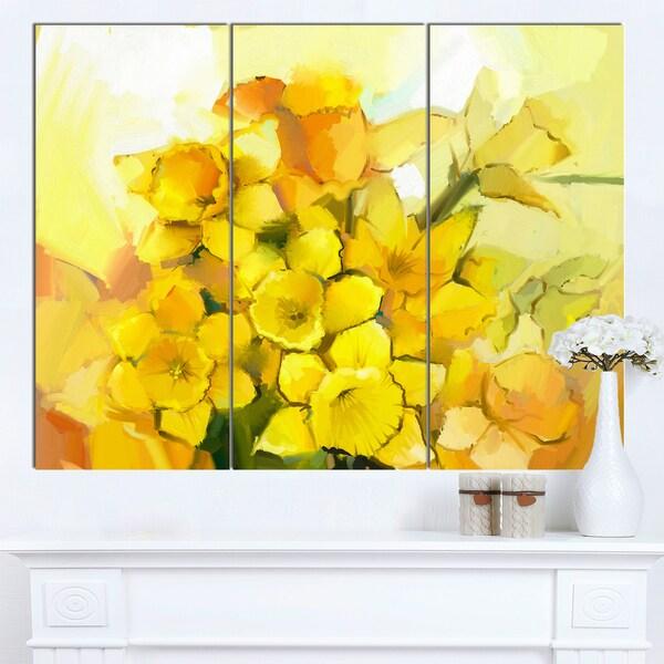 Designart 'Bouquet of Yellow Narcissus Flowers' Large Floral Canvas Artwork - multi
