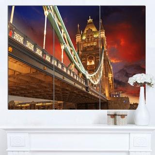 Designart 'Famous Tower Bridge at Night' Modern Cityscape Canvas Artwork