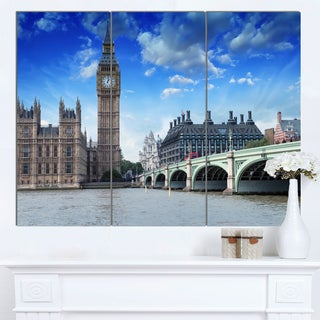 Designart 'Houses of Parliament and Westminster Bridge' Modern Cityscape Canvas Artwork