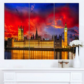 Designart 'House of Parliament at River Thames' Modern Cityscape Canvas Artwork