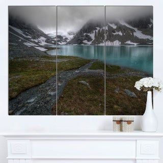Designart 'Turquoise Mountain Lake with Clouds' Landscape Artwork Canvas Print
