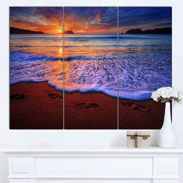 Designart 'Colorful Sunset Over Beautiful Shore' Seashore Art Print on Canvas - multi