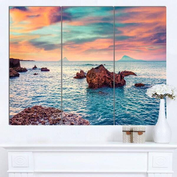 Designart 'Sunrise on the Mediterranean Sea' Seashore Art Print on Canvas