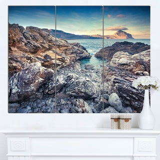 Designart 'Rocky Reservoir in Monte Cofano' Large Landscape Art Canvas Print