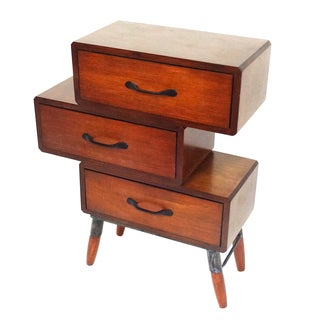 Classical Style 3-Drawer Table
