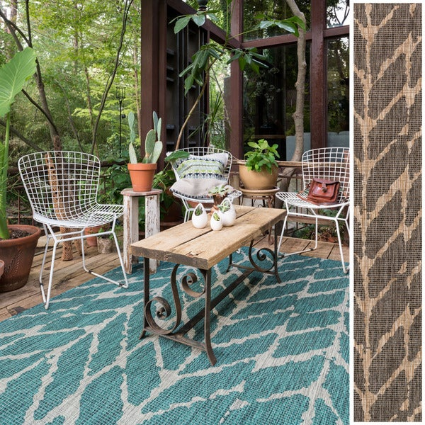 Havenside Home Wilminton Indoor/ Outdoor Abstract Chevron Patio Area Rug - 9'2 x 12'1