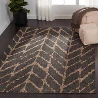 Indoor/ Outdoor Havannah Abstract Chevron Rug (5'3 X 7'7)
