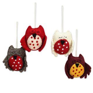 Set of 4 Wool Felt Ornaments, 'Sleepy Owls' (India)