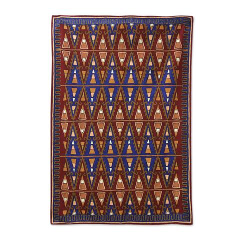 Handmade Valley of Fire Indo Chain Stitched Wool Rug (India) - 4' x 6'