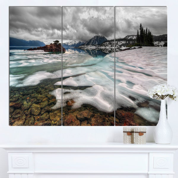 Designart 'Frozen Mountain Lake Shore' Landscape Wall Art Print Canvas - White