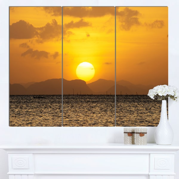 Designart 'Yellow Sunset and Brown Ocean' Modern Seashore Canvas Wall Art Print