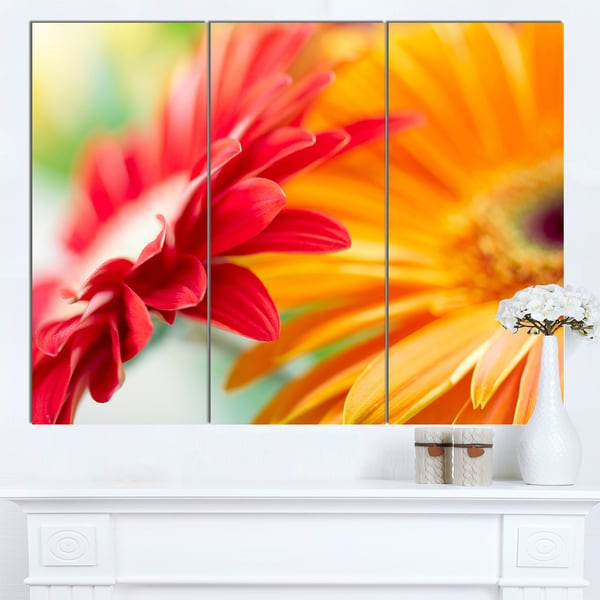 Designart 'Red and Yellow Daisy Flower' Modern Floral Wall Artwork - Red