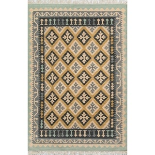 "Hand-Woven Tribal Elegance Diamond Gold Wool Rug (3'9"" x 5'9"")"