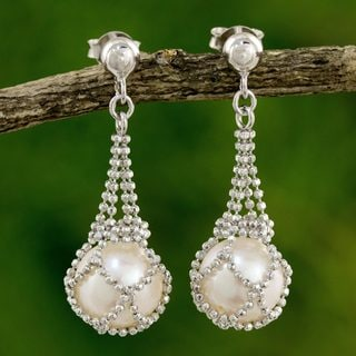Handcrafted Sterling Silver 'Lily Dewdrop' Cultured Pearl Earrings (8 mm) (Thailand)