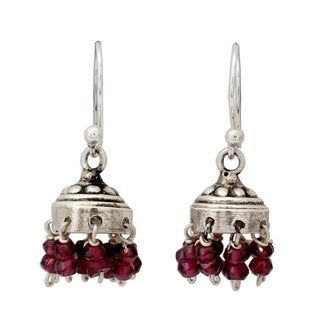 Handcrafted Sterling Silver 'Traditional Grace' Garnet Earrings (India)