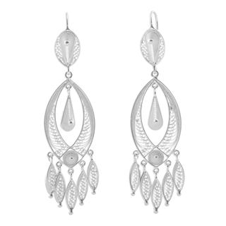 Handcrafted Silver 'White Autumn' Filigree Earrings (Peru)