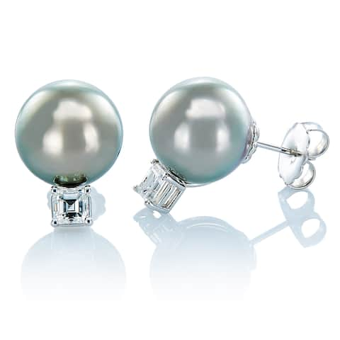 18K White Gold 1.50ct Diamonds South Sea Pearl Estate Stud Earrings.