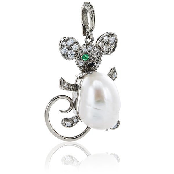 Platinum 1/2ct TDW White Diamond, Pearl, Onyx and Emerald Antique Mouse Estate Pendant Necklace (H-I, SI1-SI2). Opens flyout.