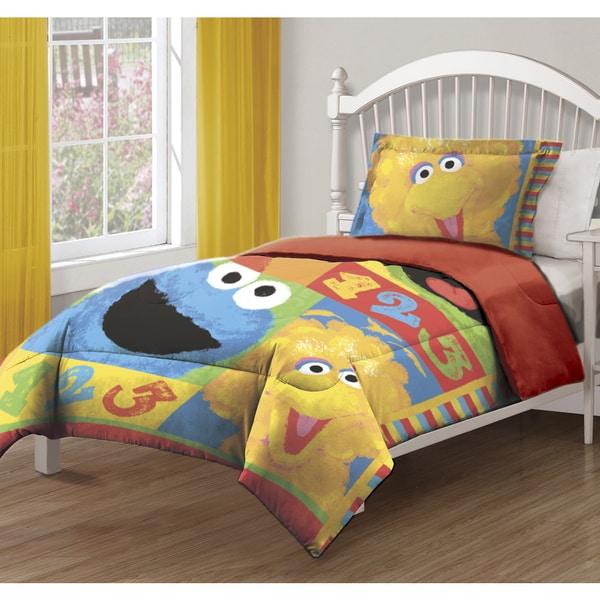 The Northwest Company ENT 876 Sesame St- Big Chalk Fun Comforter