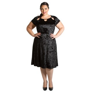 Sealed with a Kiss Women's Plus Size Chloe Crushed Velvet Dress