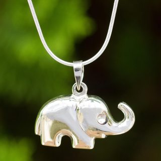 Handmade Sterling Silver 'Petite Pachyderm' Necklace (Thailand)