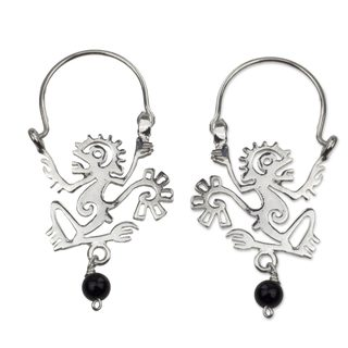 Handcrafted Sterling Silver 'Ozomatli Monkey' Onyx Earrings (Mexico)