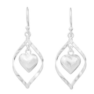 Handcrafted Sterling Silver 'Captive Heart' Earrings (Thailand)