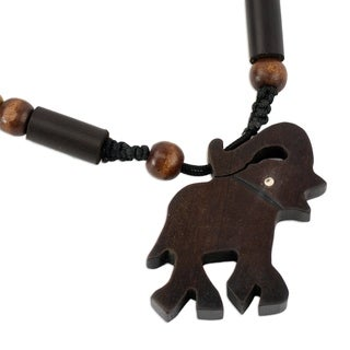 Handcrafted Ebony Bamboo 'Trumpeting African Elephant' Necklace (Ghana)
