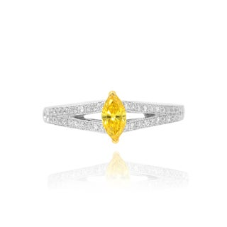 18k White and Yellow Gold 1/2ct TDW Yellow and White Diamond Engagement Side Stone Ring