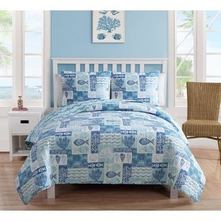 VCNY Sealife Patchwork Reversible 3-piece Quilt Set