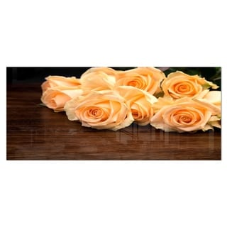 Designart 'Roses on Wooden Surface Photo' Flower Aluminium Wall Art