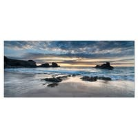 Designart 'Beautiful Porthcothan Bay' Photography Seashore Metal Wall Art Print