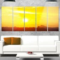 Designart 'Bright Yellow Sky At Sri Lanka Sunset' African Landscape Metal Wall Art Canvas