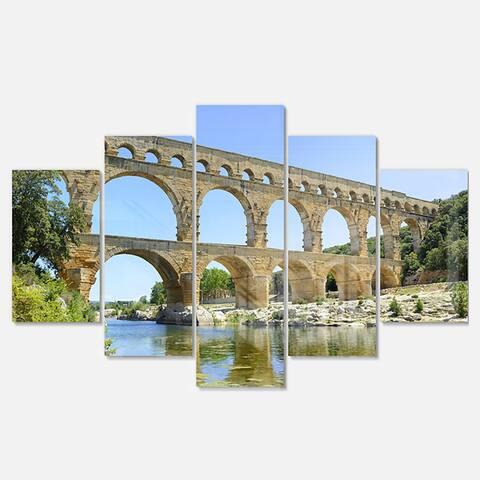 Designart 'Roman Aqueduct Bridge in France' Bridge Glossy Metal Wall Art