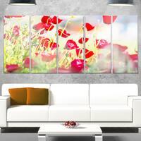 Designart 'Beautiful Red Poppy Flowers View' Modern Flower Canvas Metal Wall Art