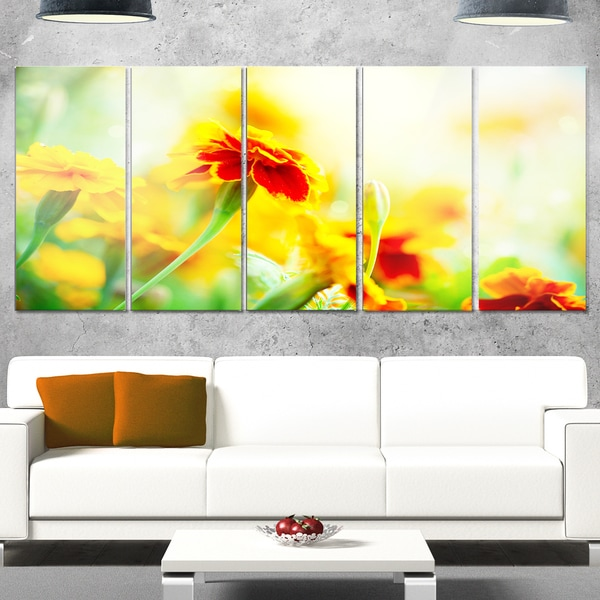 Designart 'Orange Tagetes Marigold Flowers' Extra Large Floral Glossy Metal Wall Art