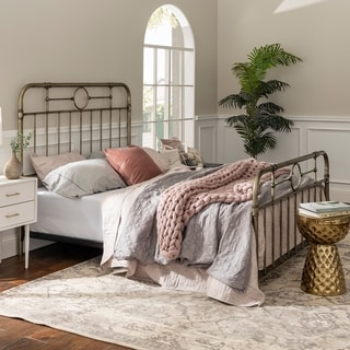Classic Antique Finish Metal Pipe Bed