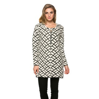 High Secret Women's Black and White Geometric Print Acrylic Open Front Cardigan